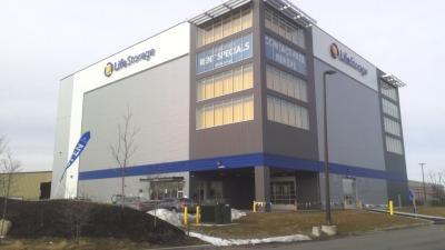 Exterior image of facility at 4 Bay Blvd, Lawrence, NY 11559