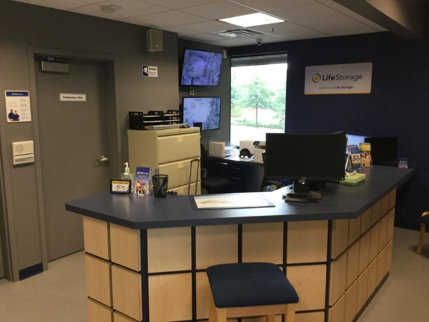 Perfect ... Life Storage Office At 1274 Crown Pointe Parkway In Dunwoody ...