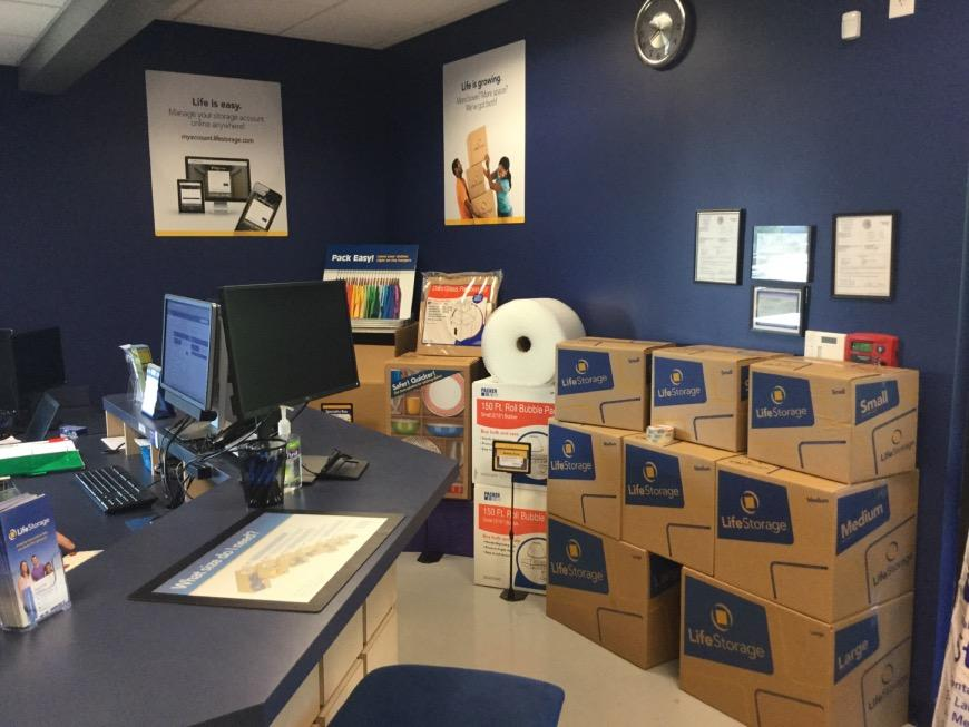 Wonderful ... Miscellaneous Photograph Of Life Storage At 1274 Crown Pointe Parkway  In Dunwoody ...