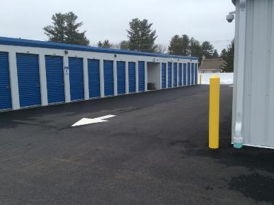 Storage Units for rent at Life Storage at 6 Smith Ln in Londonderry