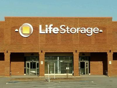 Life Storage Buildings at 420 Grayson Hwy in Lawrenceville