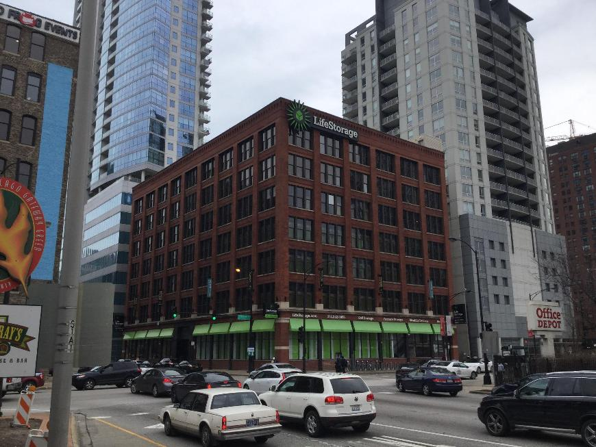 Storage Buildings At Life 333 W Ohio St In Chicago
