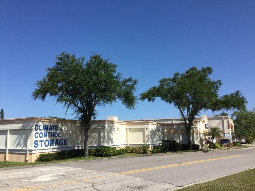 Self Storage Units Near Sarasota   2201 Fruitville Rd   Life Storage #883
