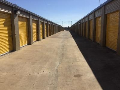 Storage Units for rent at Life Storage at 1061 Duncan Perry Rd in Arlington