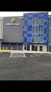 Exterior image of facility at 5765 General Washington Dr, Alexandria, VA 22312