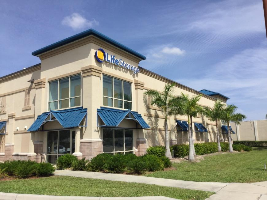 Self Storage Units Near North Fort Myers 1347 N Tamiami