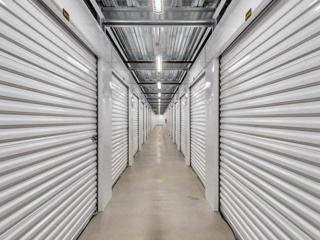 Life Storage Buildings at 1414 N Rand Rd in Arlington Heights