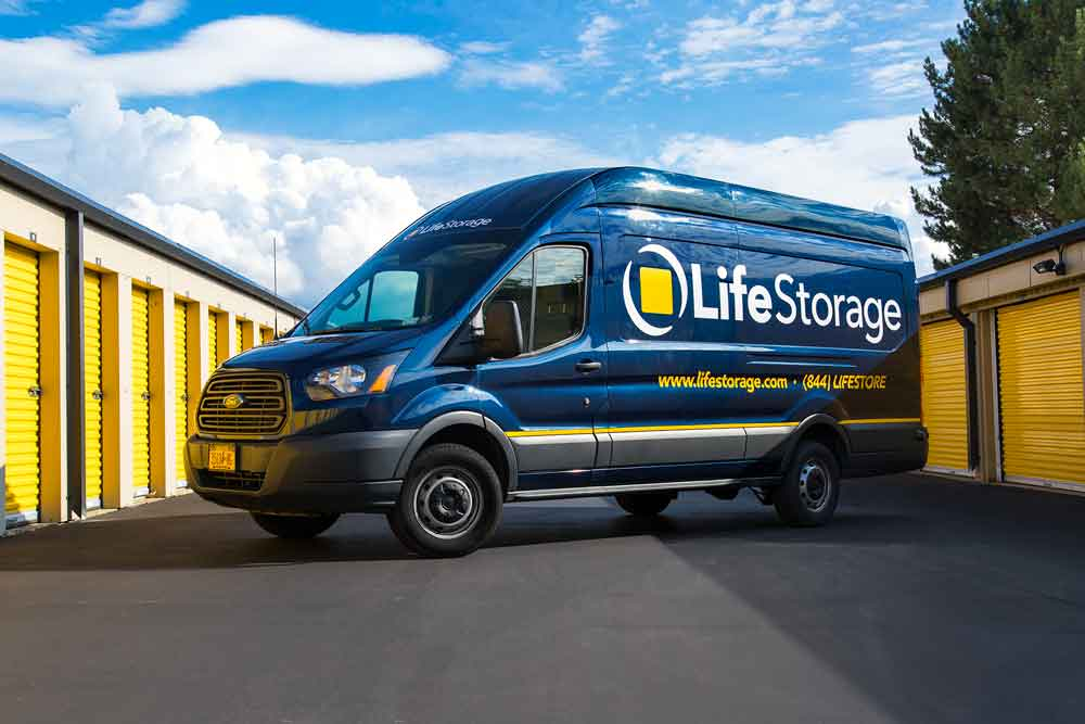 Top 7 Interstate Mover Companies - Free Truck Rental for Life Storage Customers
