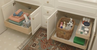 Pullout bathroom shelves