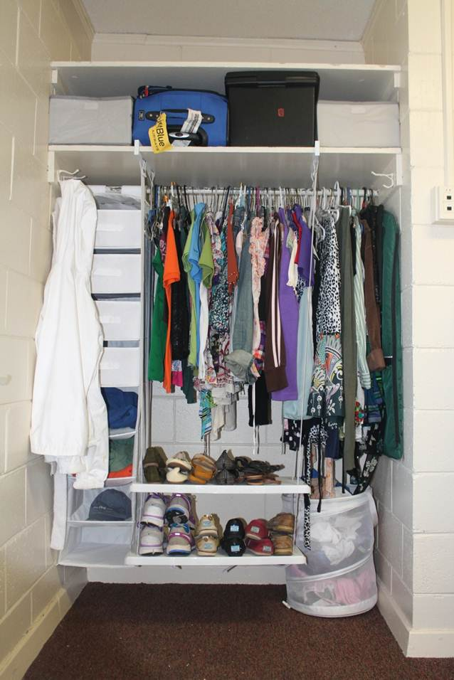 College dorm rooms problems and solutions get stor ganized - Small space closet solutions pict ...