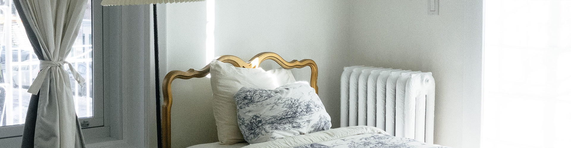 bed bedroom white bedspread blue pattern
