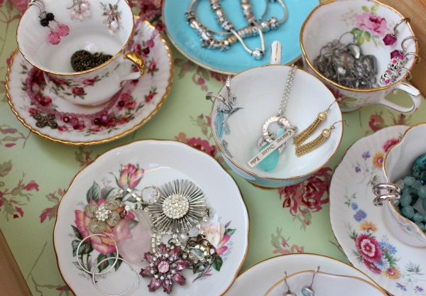 teacup organizer