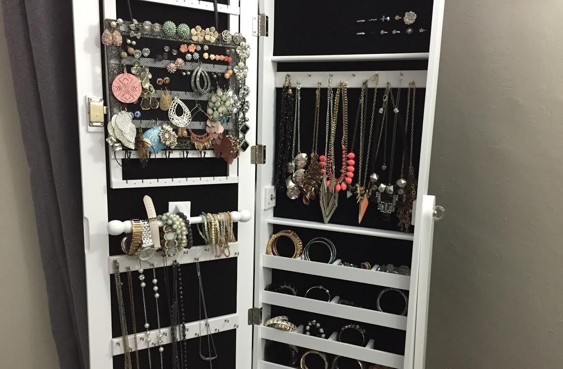 mirror armoire