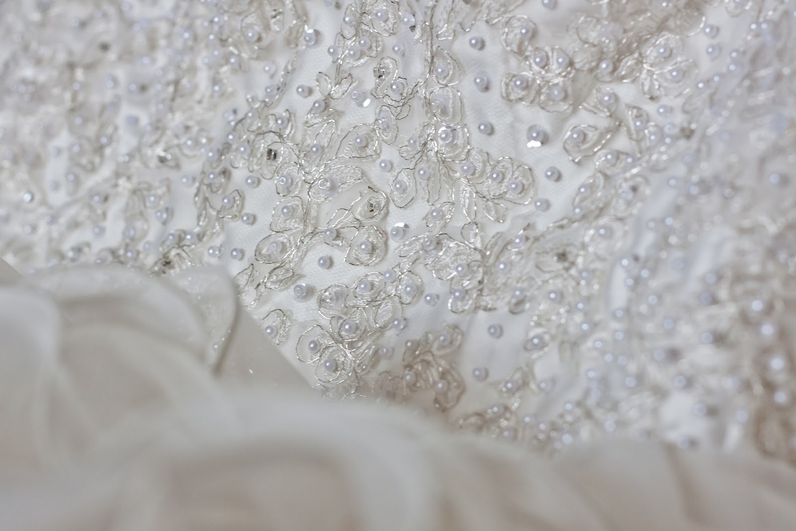 How to preserve your wedding dress so it lasts a lifetime how to preserve your wedding dress ombrellifo Gallery