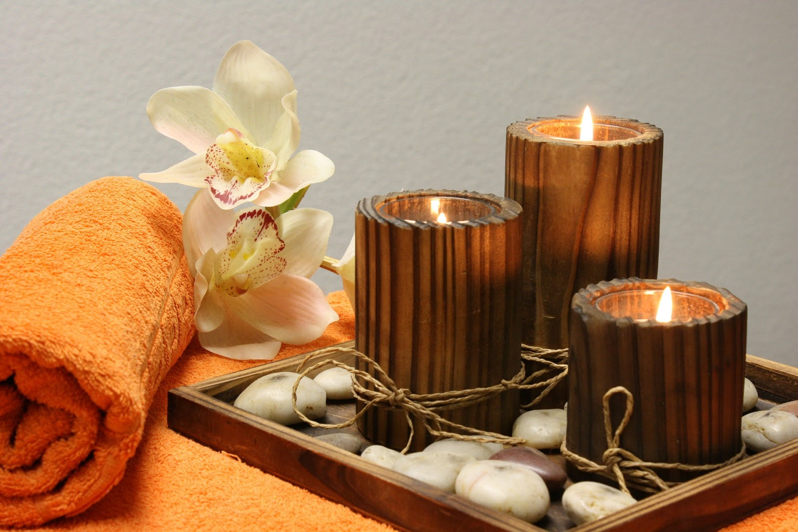 SpaLike Bathroom Decorating Ideas That Will Leave You Relaxed - Candles for bathroom