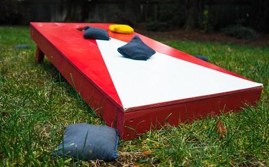 Backyard Graduation Party Ideas: outdoor games
