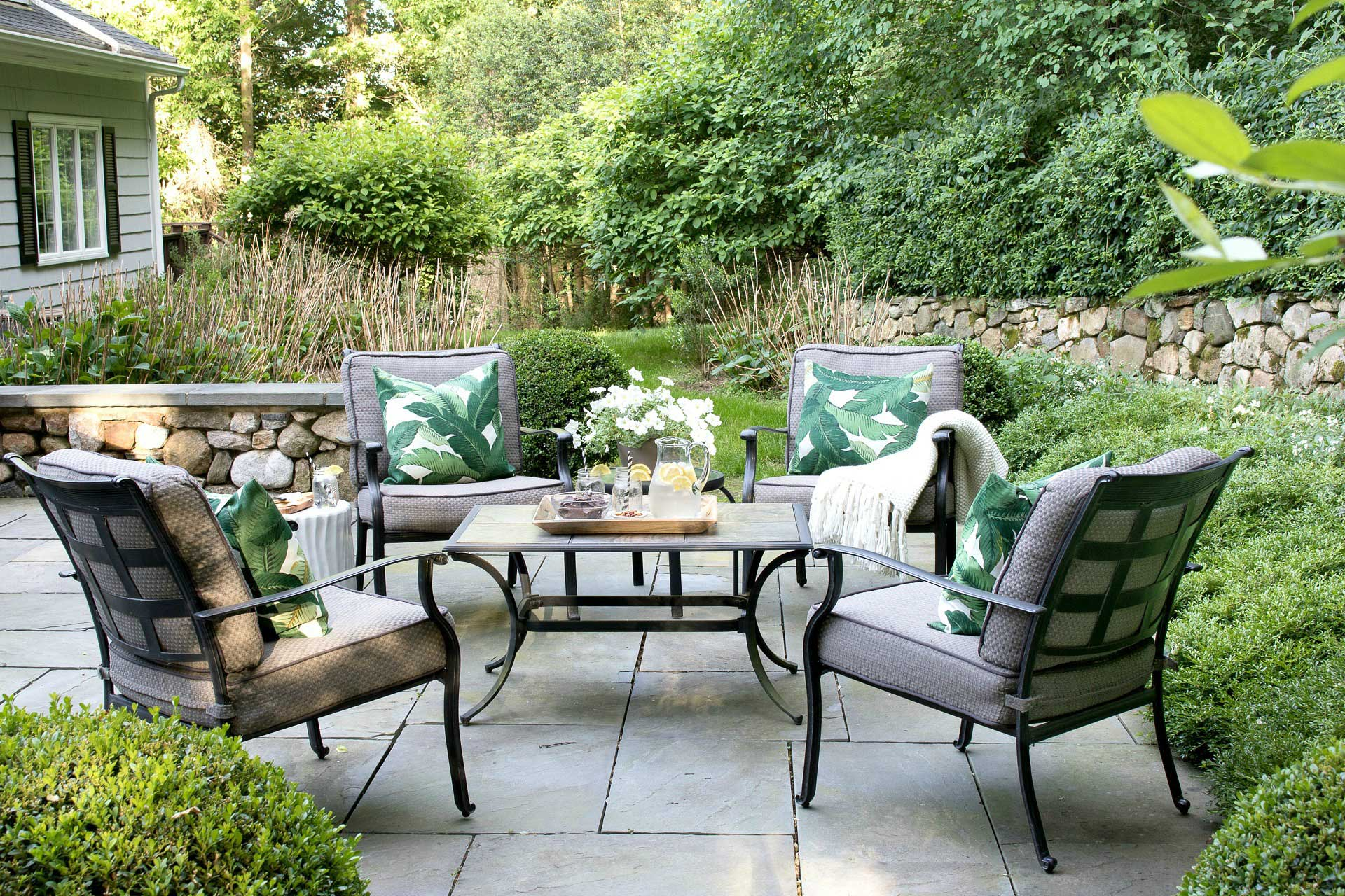 6 Summer Essentials for Outdoor Living
