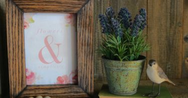 Make a Distressed Wood Picture Frame
