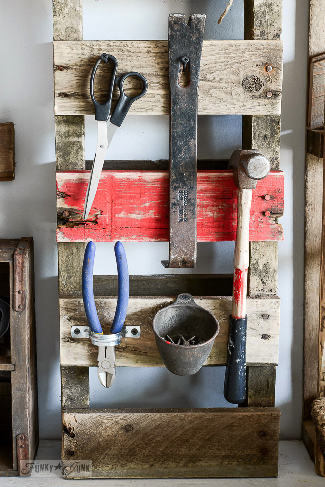 how to organize a shed: Pallet Organizer