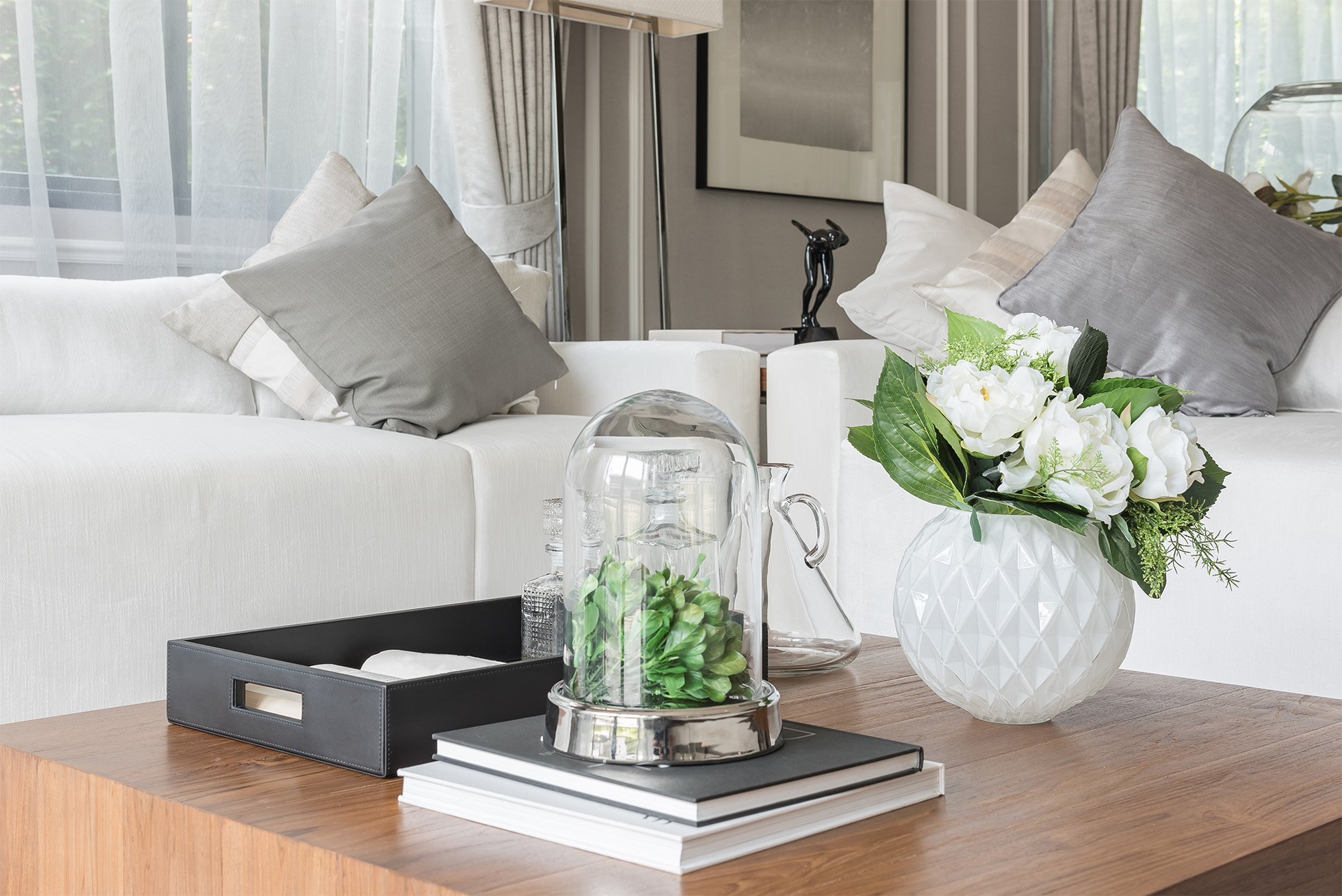 10 Easy Coffee Table Decoration Ideas to plete Your Room