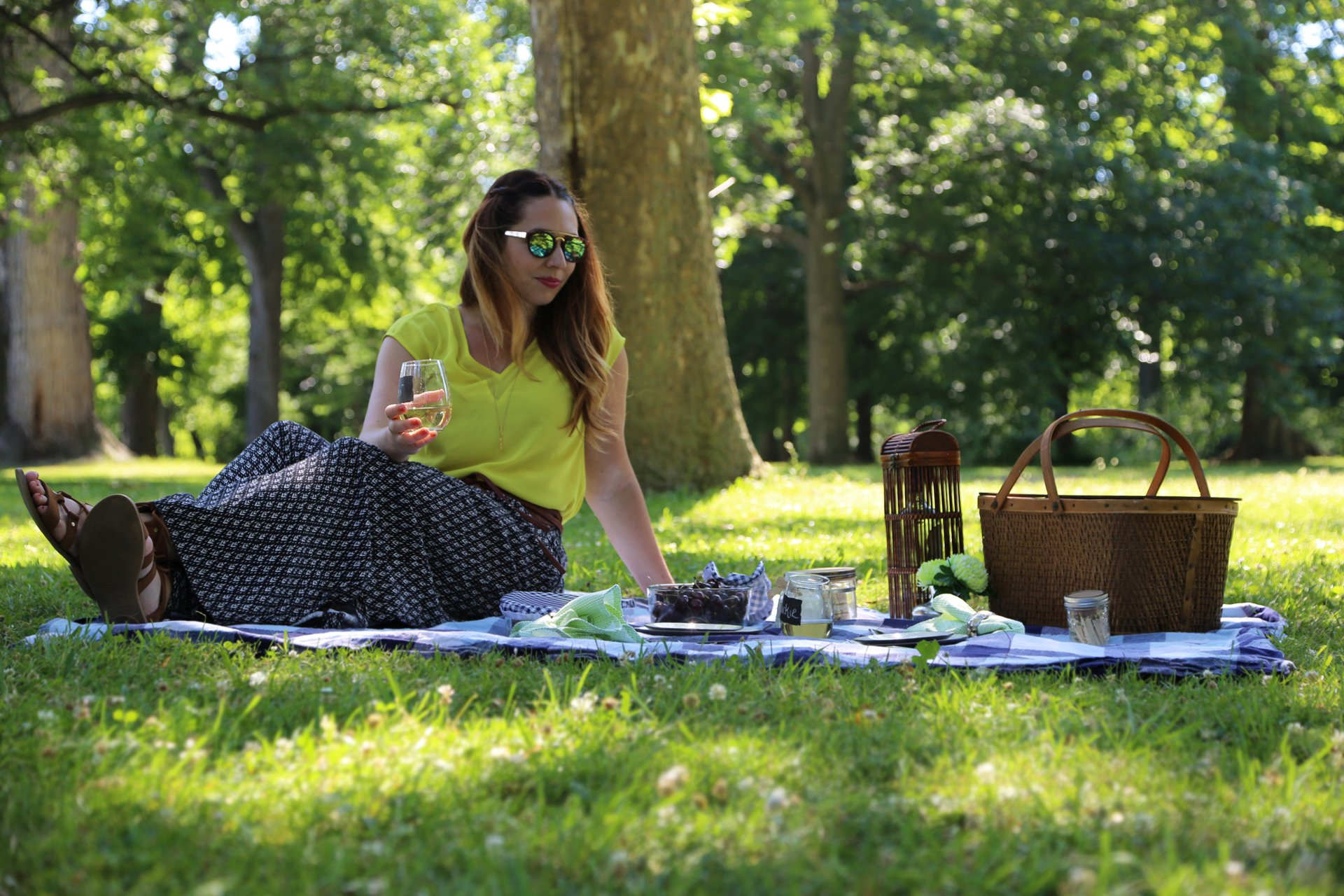 How to have an eco friendly picnic outdoors.