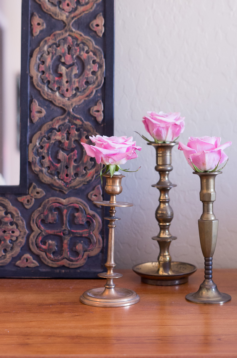 Create a guest room and office combo out of your spare bedroom with these tips.
