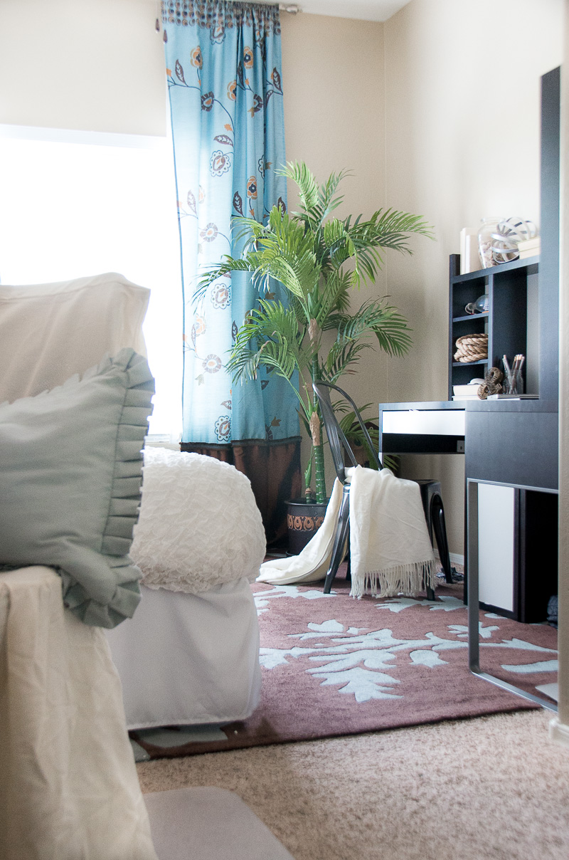 Tips to create an office and guest room.