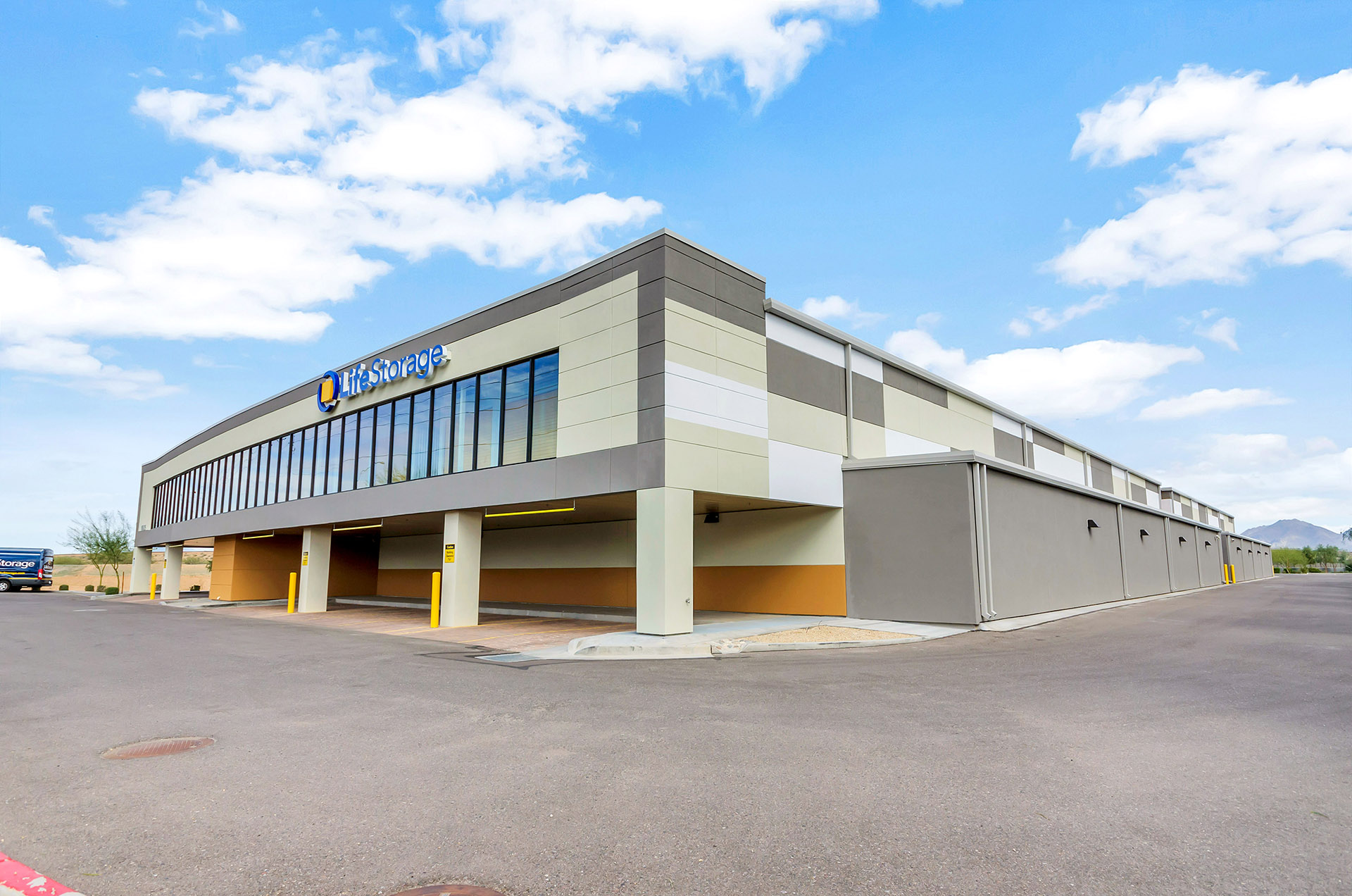 Trending Alert 6 Reasons Why The Self Storage Industry Is On The Rise Life  Storage Phoenix