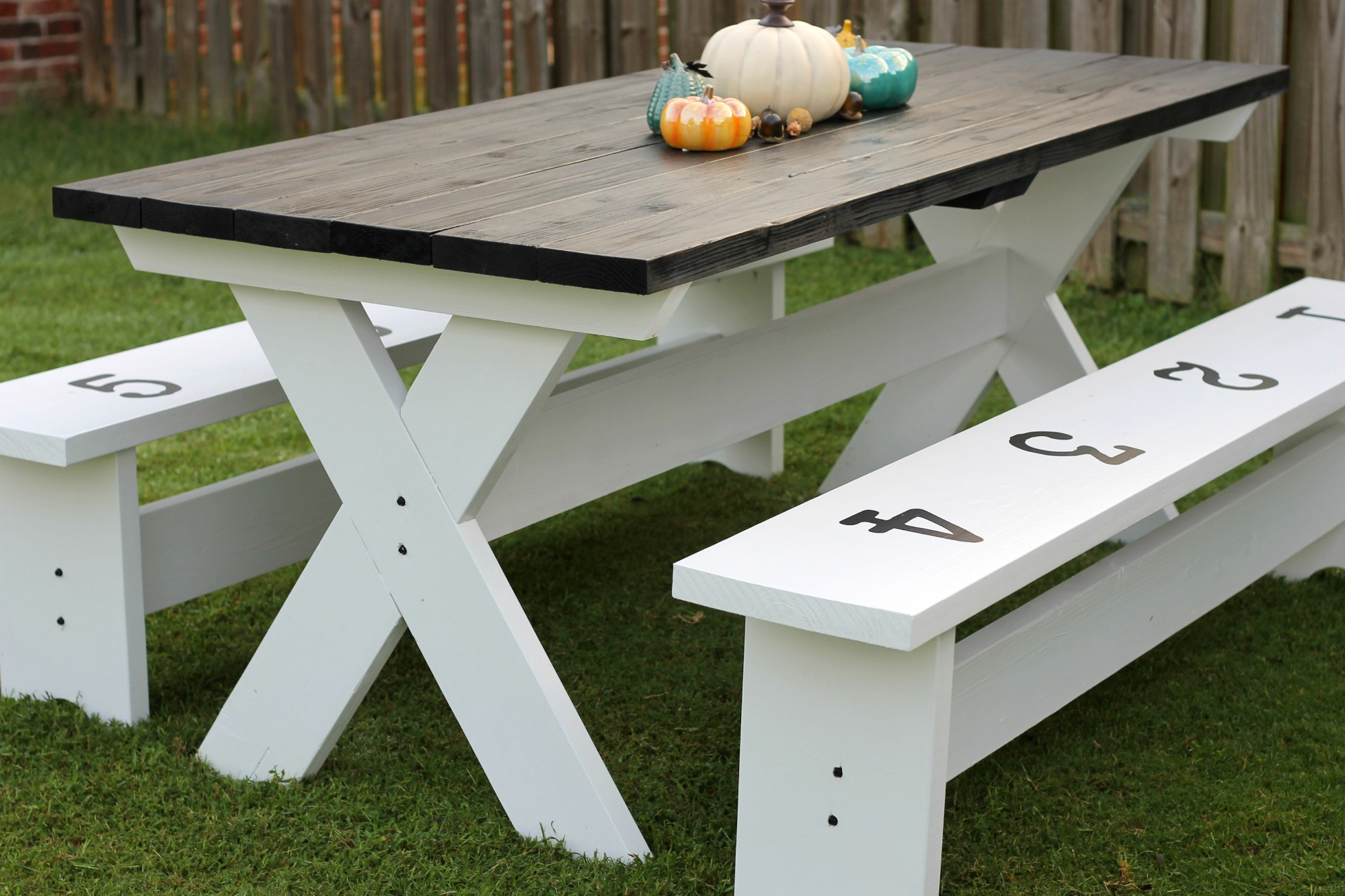 How to build a farmhouse picnic table How to build a farmhouse