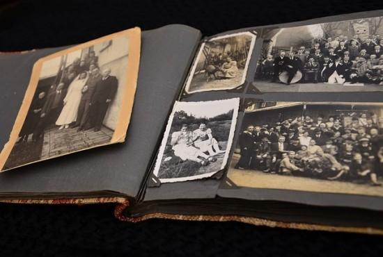 photo album to preserve old photographs