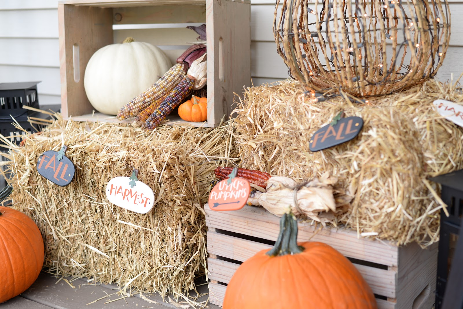 Tips to decorate a porch for Fall
