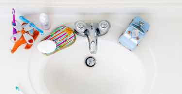 sink kid toys bathroom colorful toothbrushes