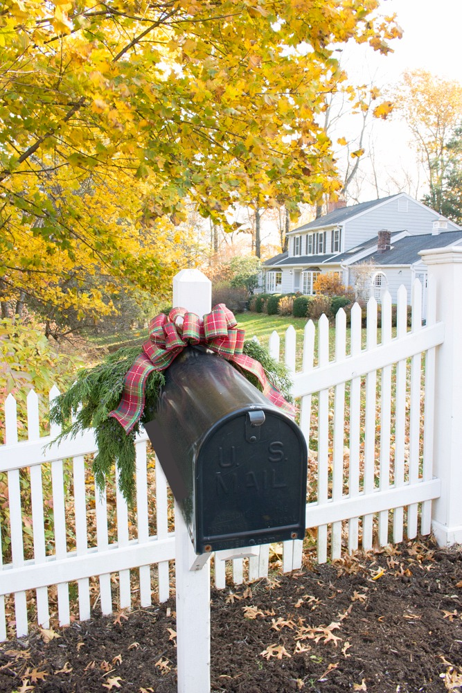 Decorate Mailbox for Christmas