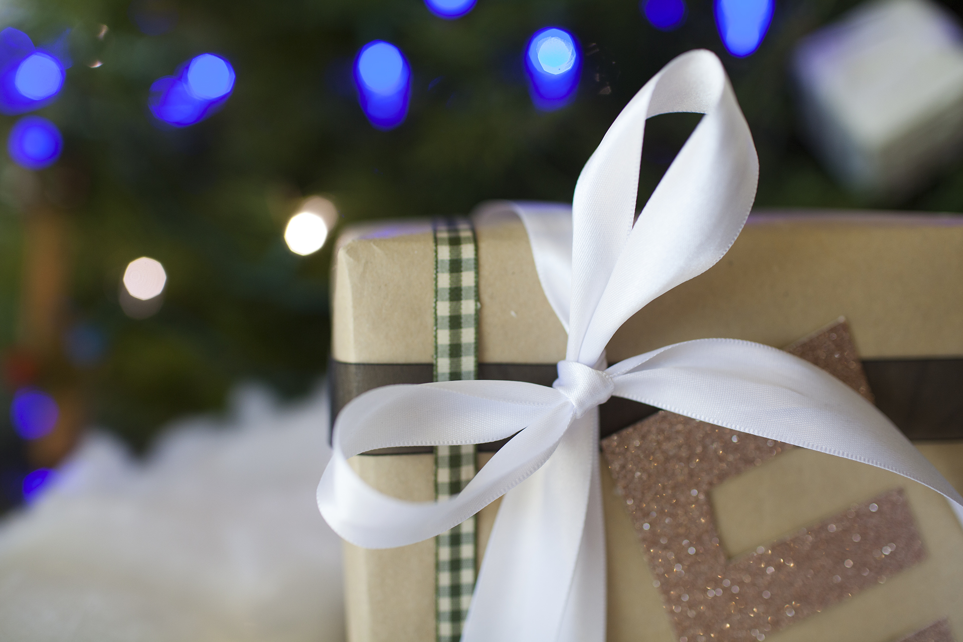 five-simple-ways-wrap-gifts-5