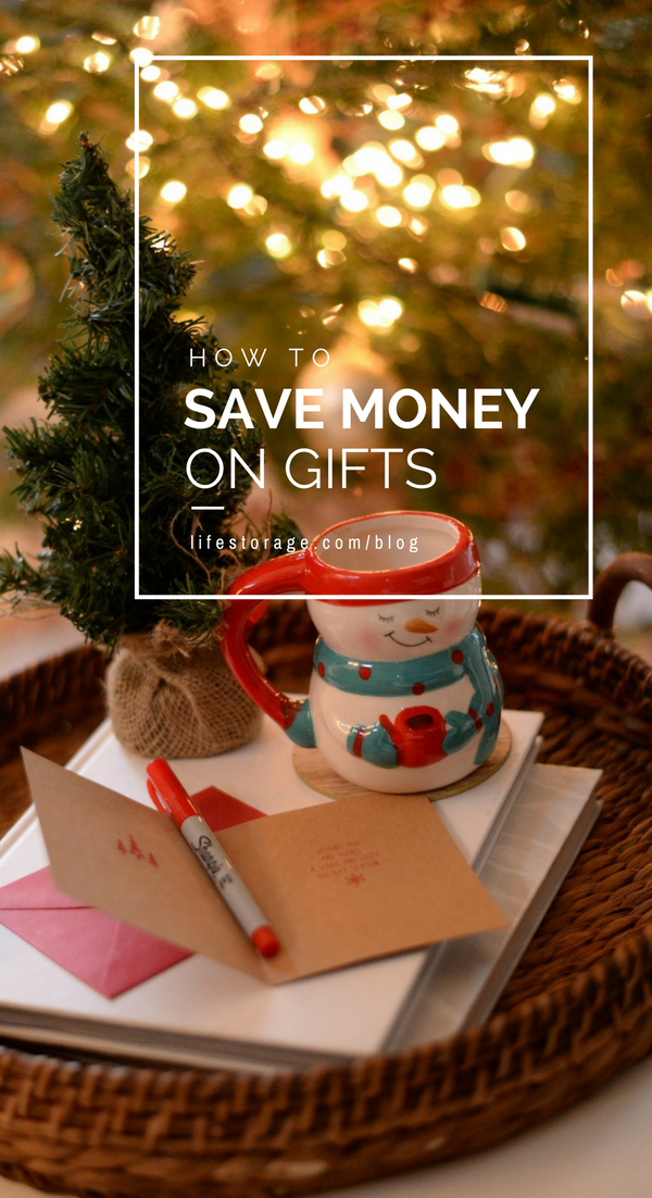 How to save money on holiday shopping.