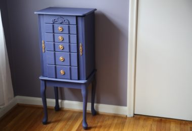 How to make painting furniture easier.