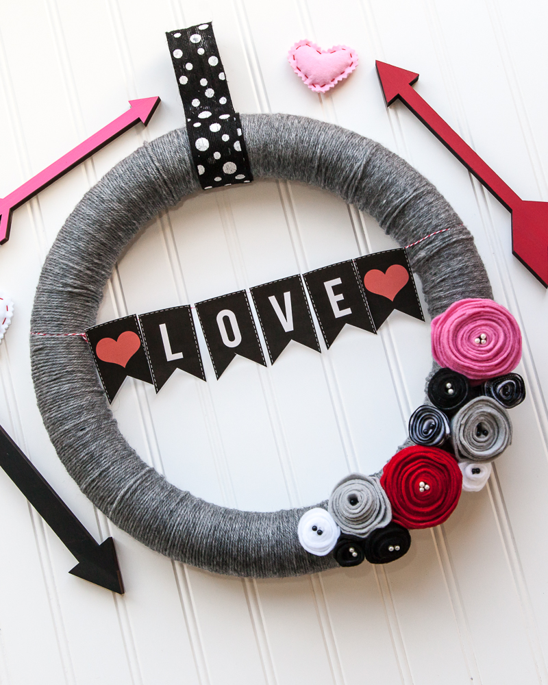 Easy Felt Flower Yarn Wreath Tutorial