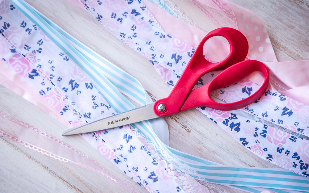 red scissors flower striped polka dot ribbon pink blue