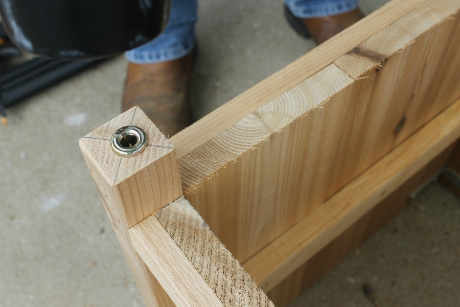 wheel inserts in cedar box leg