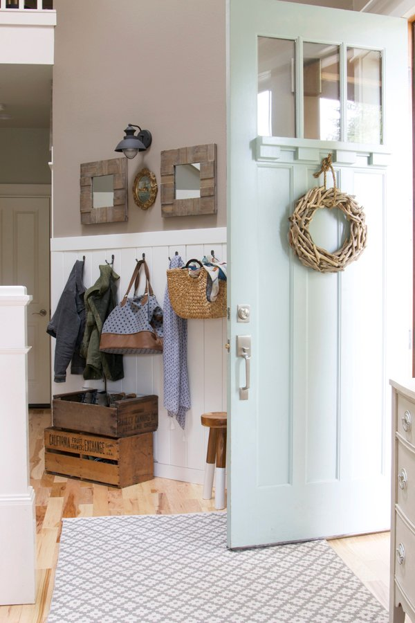 How to get rid of clutter in an entryway