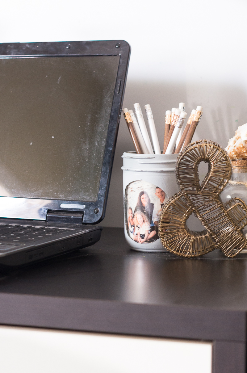 computer desk mason jar vase pencil holder wire ampersand sign