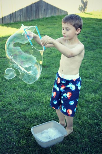 giant bubble fun summer DIY project for kids outside