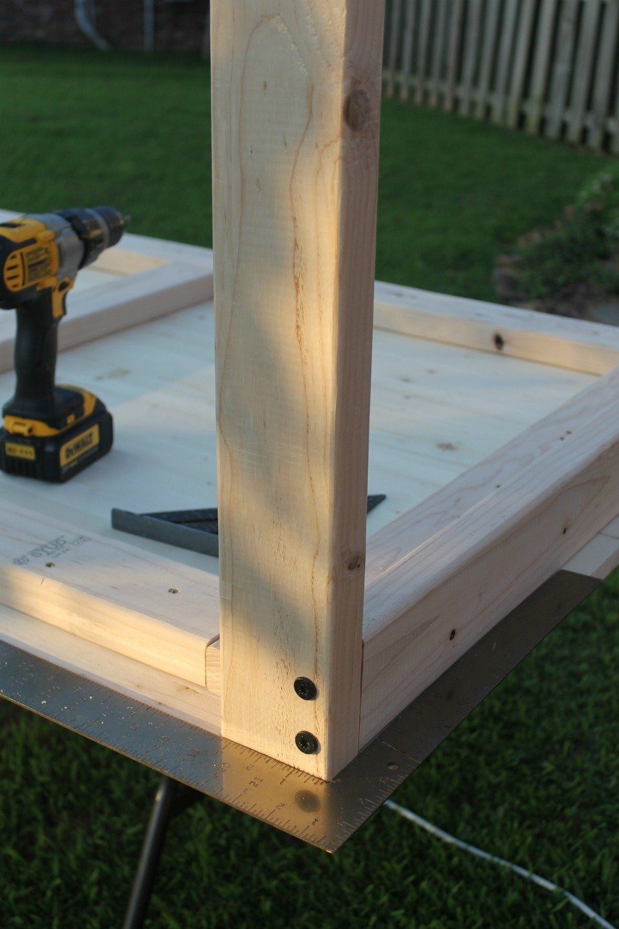 "4 1/2"" HeadLOK screws to attach the leg pieces to the short end - DIY farmhouse table"