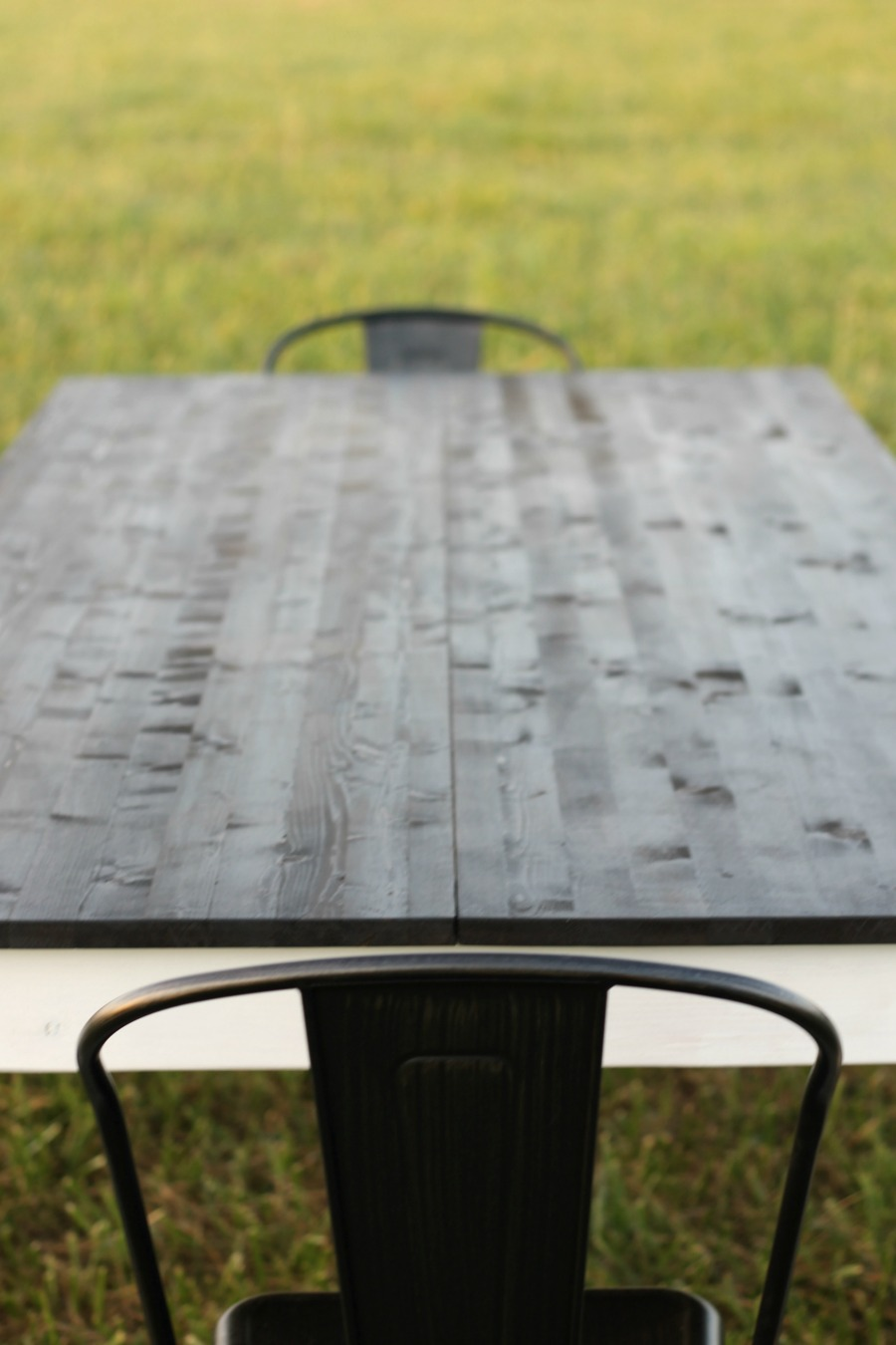 How to Build a DIY Farmhouse Table - rustic modern timeless kitchen table