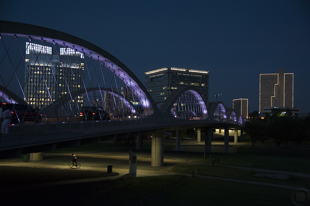moving to fort worth - tips - 7th street bridge at night
