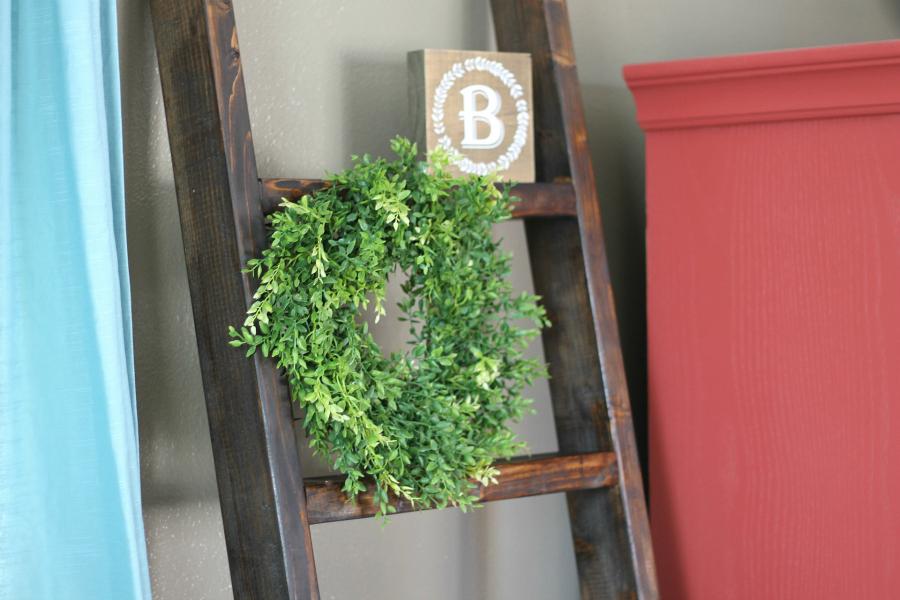 diy blanket ladder -farmhouse - living room decor