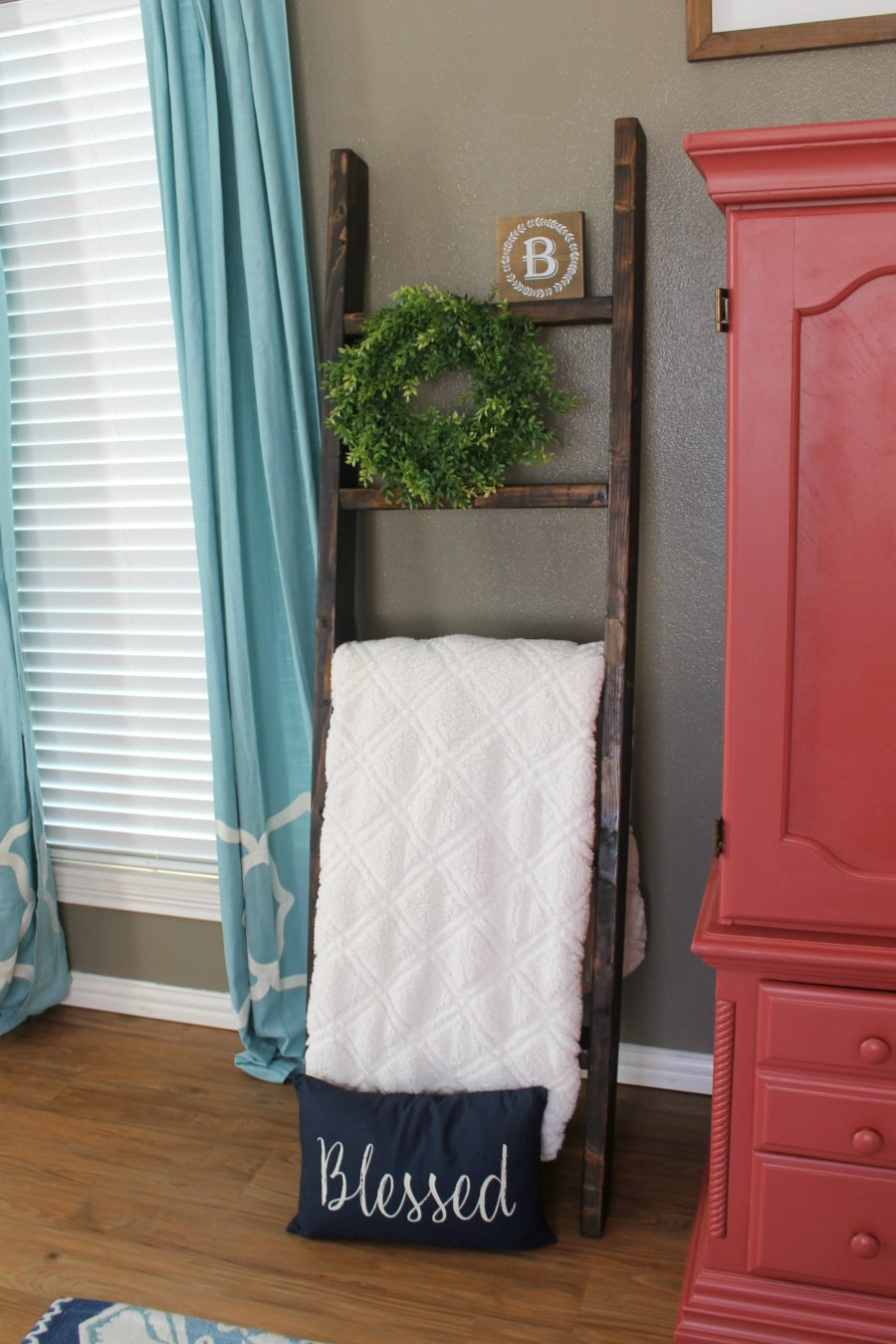 How to make a diy blanket ladder for just 10 life storage blog diy blanket ladder farmhouse living room solutioingenieria Gallery