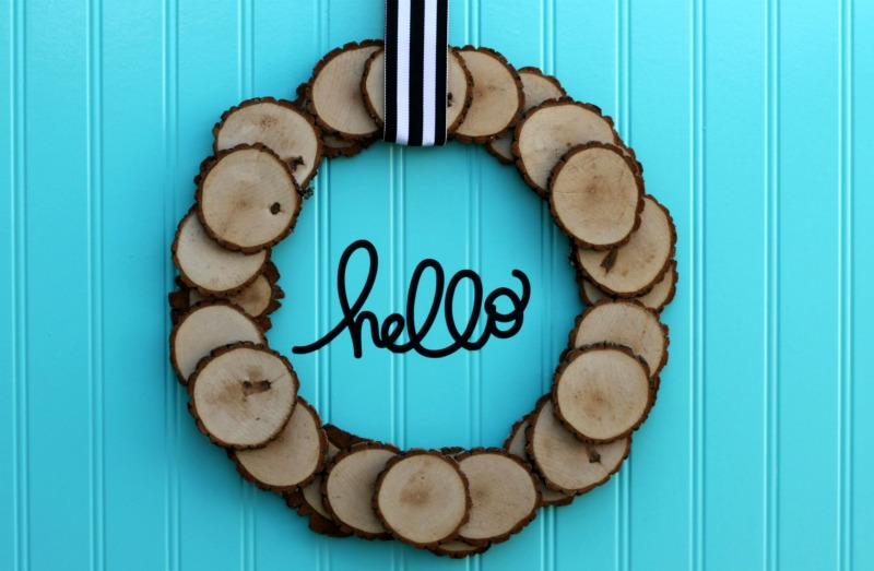 Wood slice wreath DIY to decorate for fall