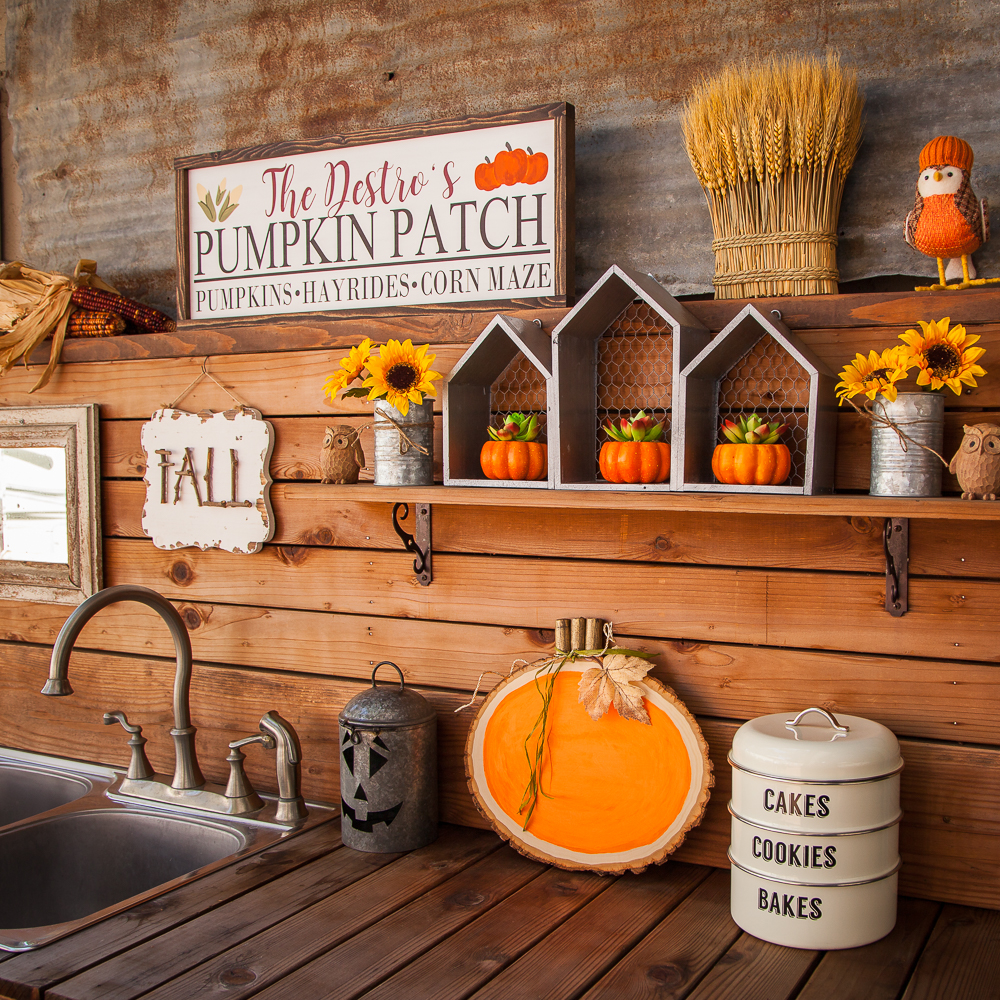 Outdoor Fall Decorating Ideas - fall vignette