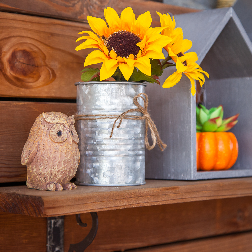 Outdoor Fall Decorating Ideas - sunflowers owls